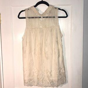 Medium white lace top